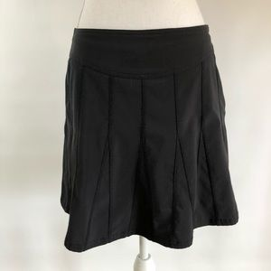Athleta Women's 6 Black wear about Skort